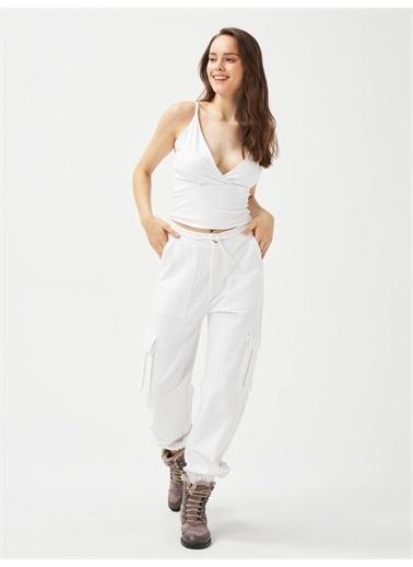 Xint XINT Pamuklu Rahat Kesim Askılı Bluz Beyaz